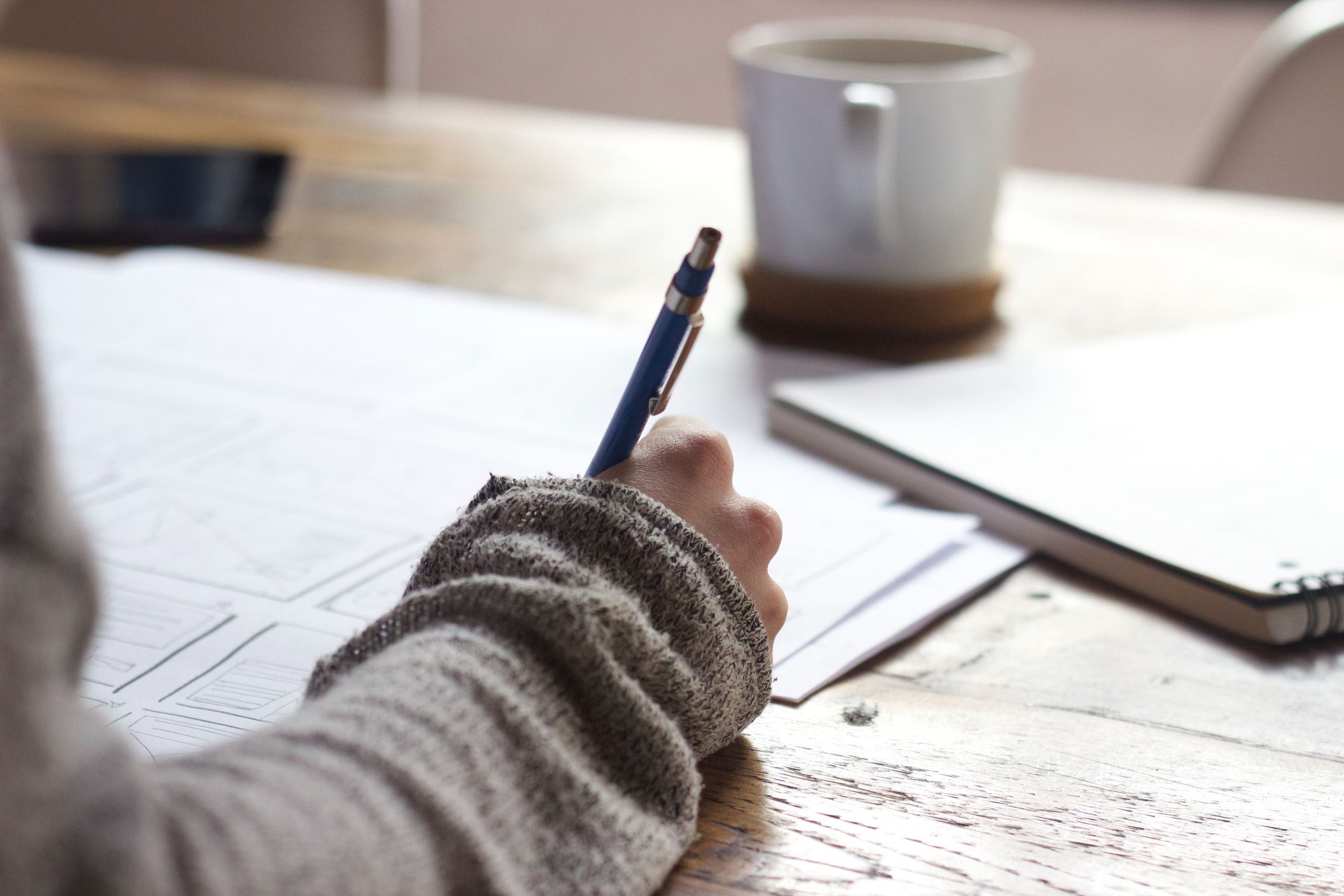 How to write a Descriptive Essay in 10 steps: An Easy Guide for Beginners